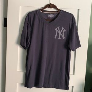 New York Yankees V-Neck T-Shirt